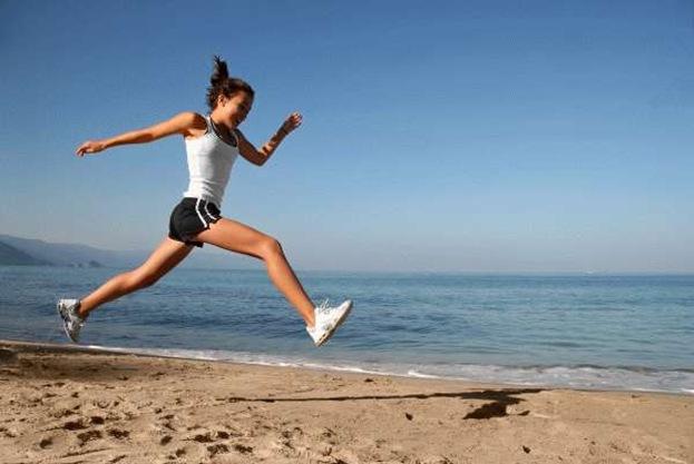 woman-running-smiling