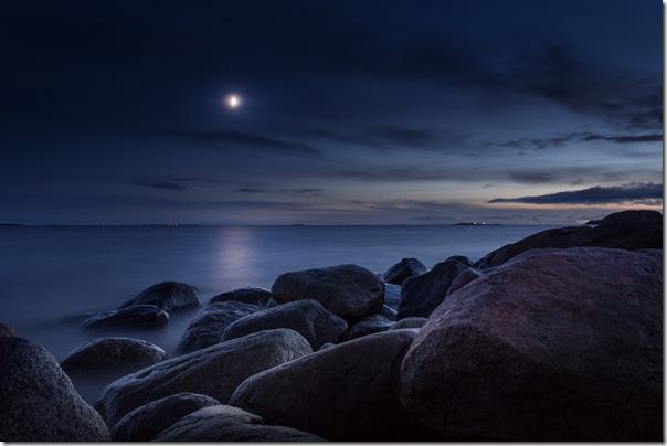moon-from-Joakim Honkasalo